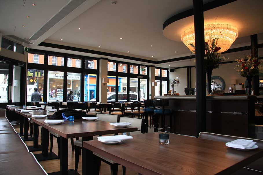 Beaufort-House-Brasserie-Chelsea-London-Bar-Interior-Design-6