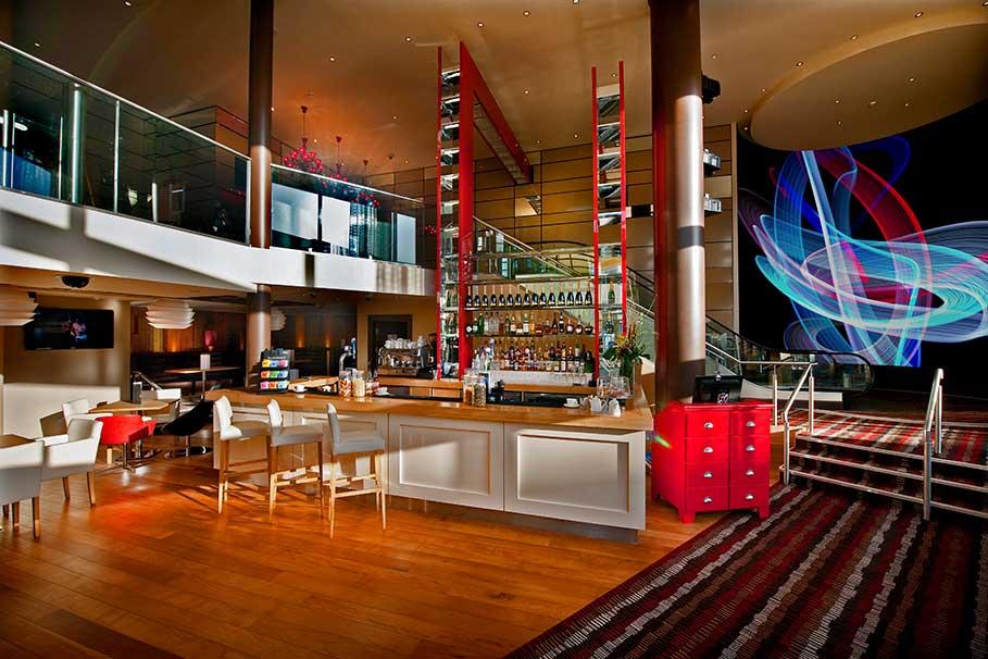 Genting-Club-Lounge-Derby-Bar-Interior-Design-1