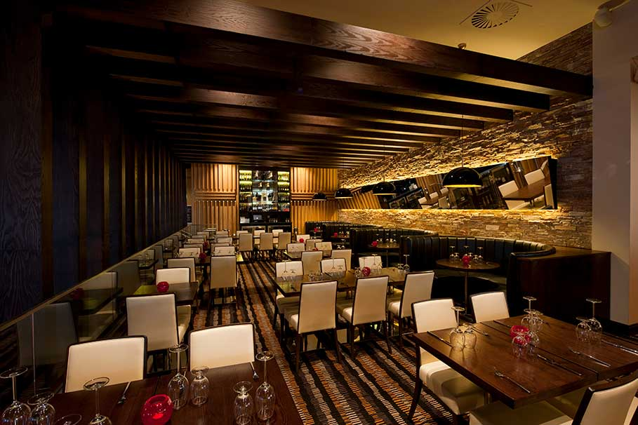 Genting-Fahrenheit-Bar-and-Grill-Derby-Restaurant-Interior-Design-2