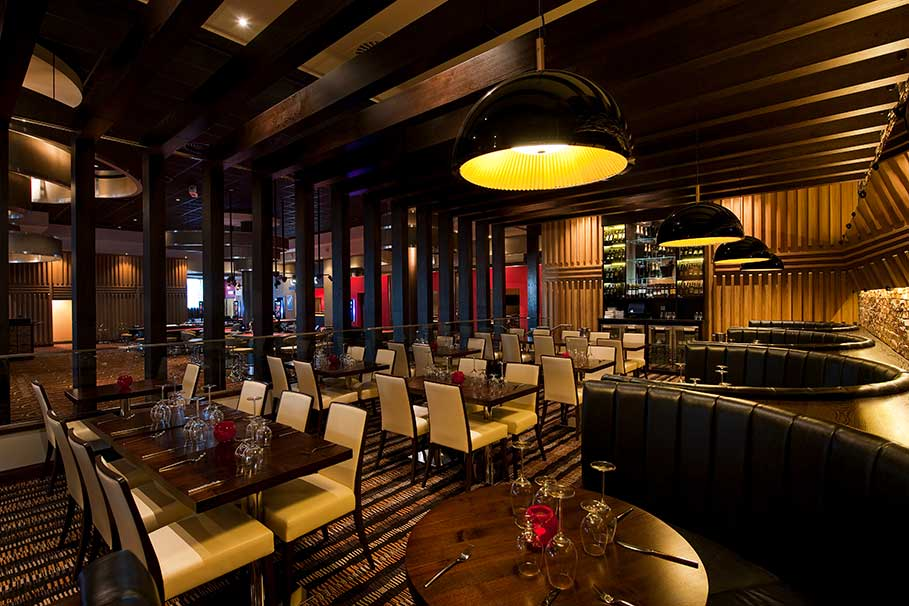 Genting-Fahrenheit-Bar-and-Grill-Derby-Restaurant-Interior-Design-3