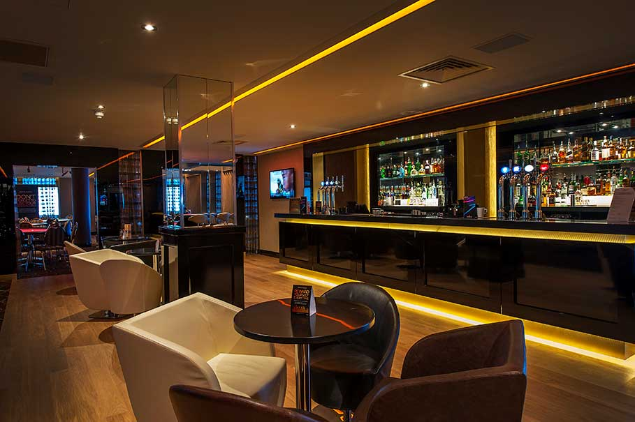 Genting-Fahrenheit-Bar-and-Grill-Southend-Restaurant-Interior-Design-3
