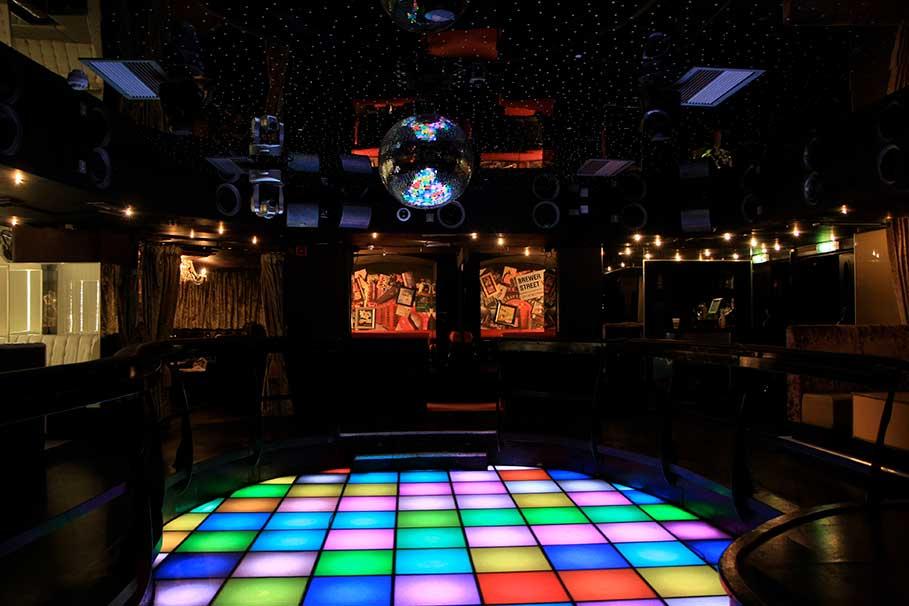 Novus-Shadow-Lounge-Soho-London-Nightclub-Interior-Design-6