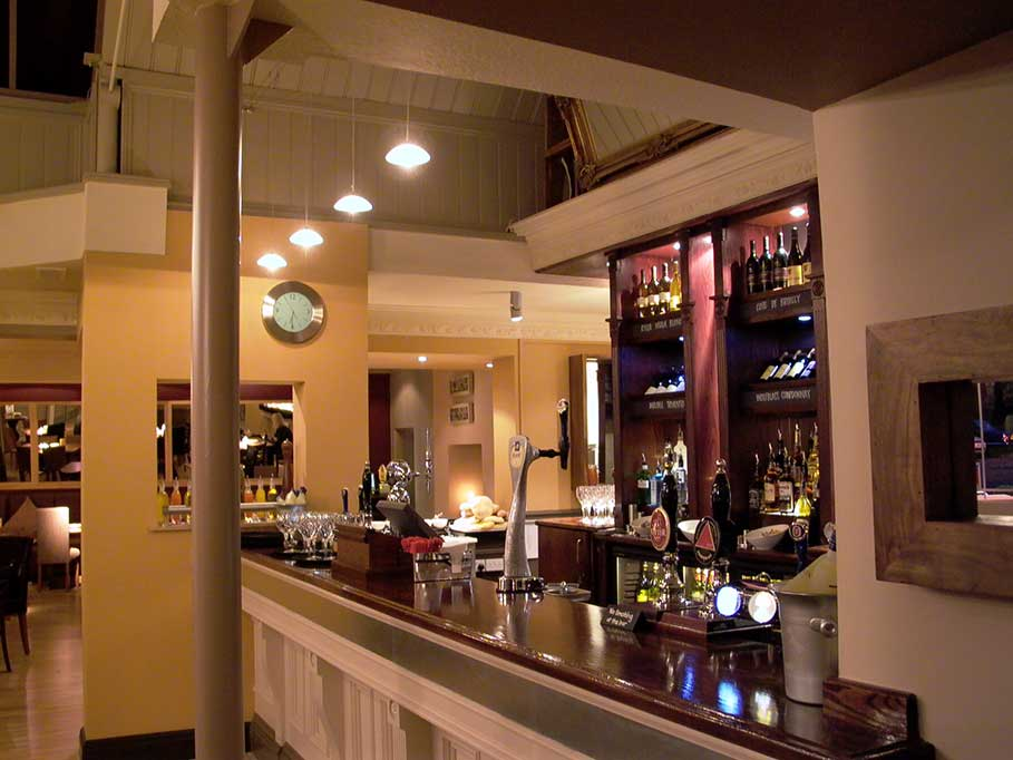 The-Firestone-Pub-and-Bar-Taunton-Bar-Interior-Design-3