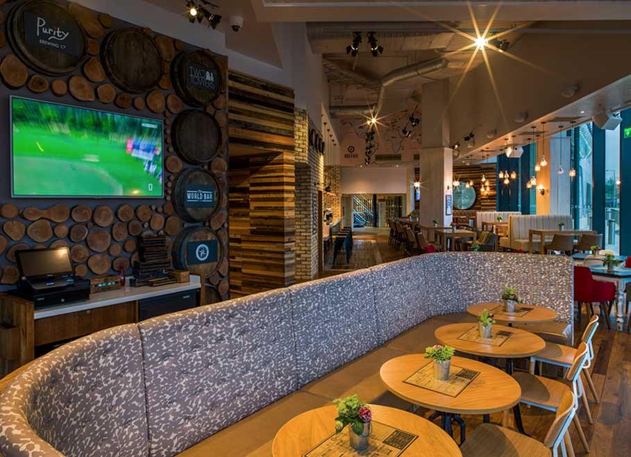 The-World-Bar-interior-design3