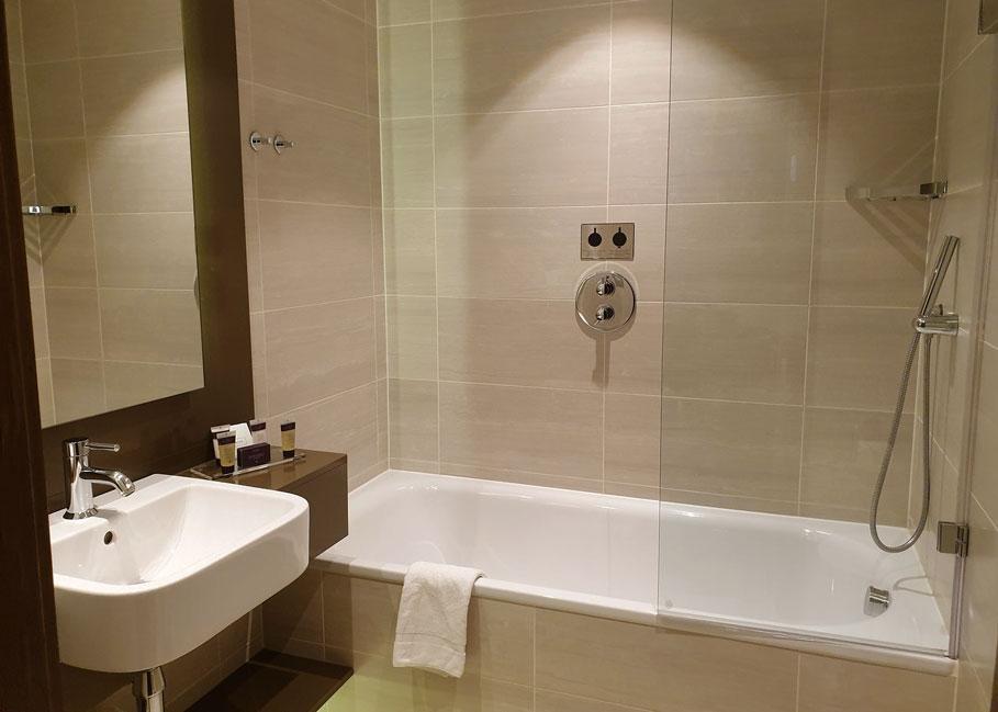 Genting-Hotel-Bedroom-4